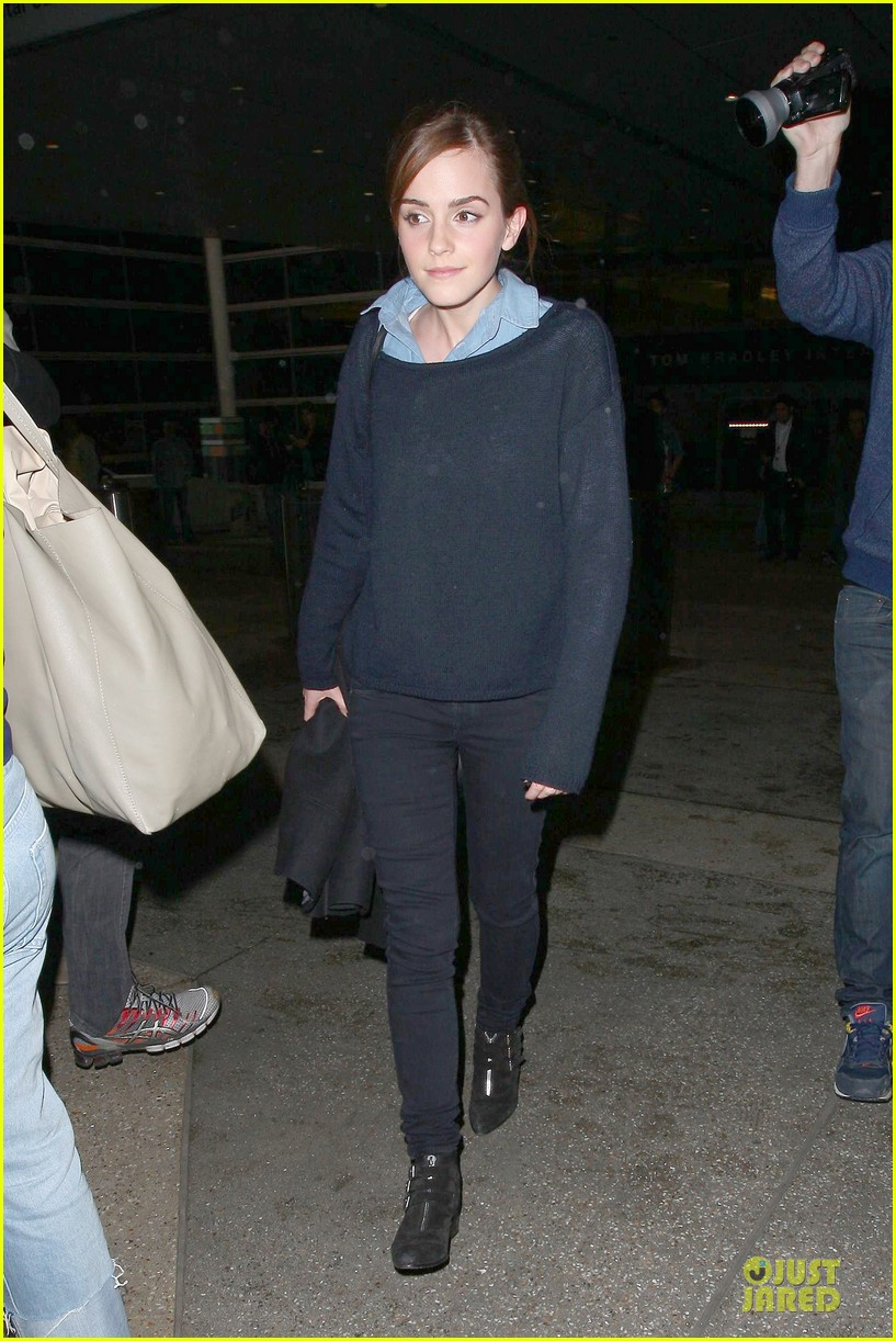 emma watson flys into lax airport before oscars 2014 073062504