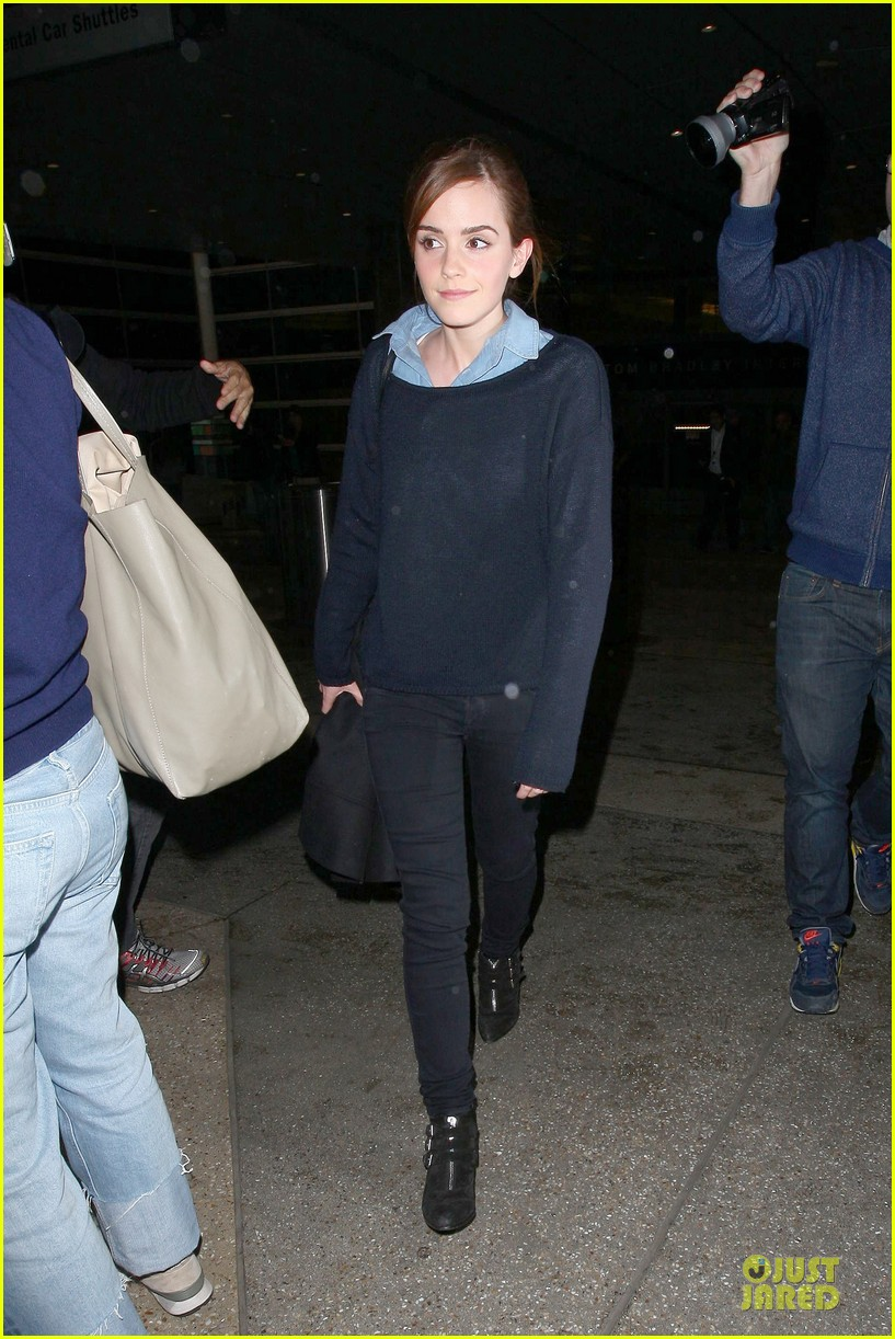 emma watson flys into lax airport before oscars 2014 103062507