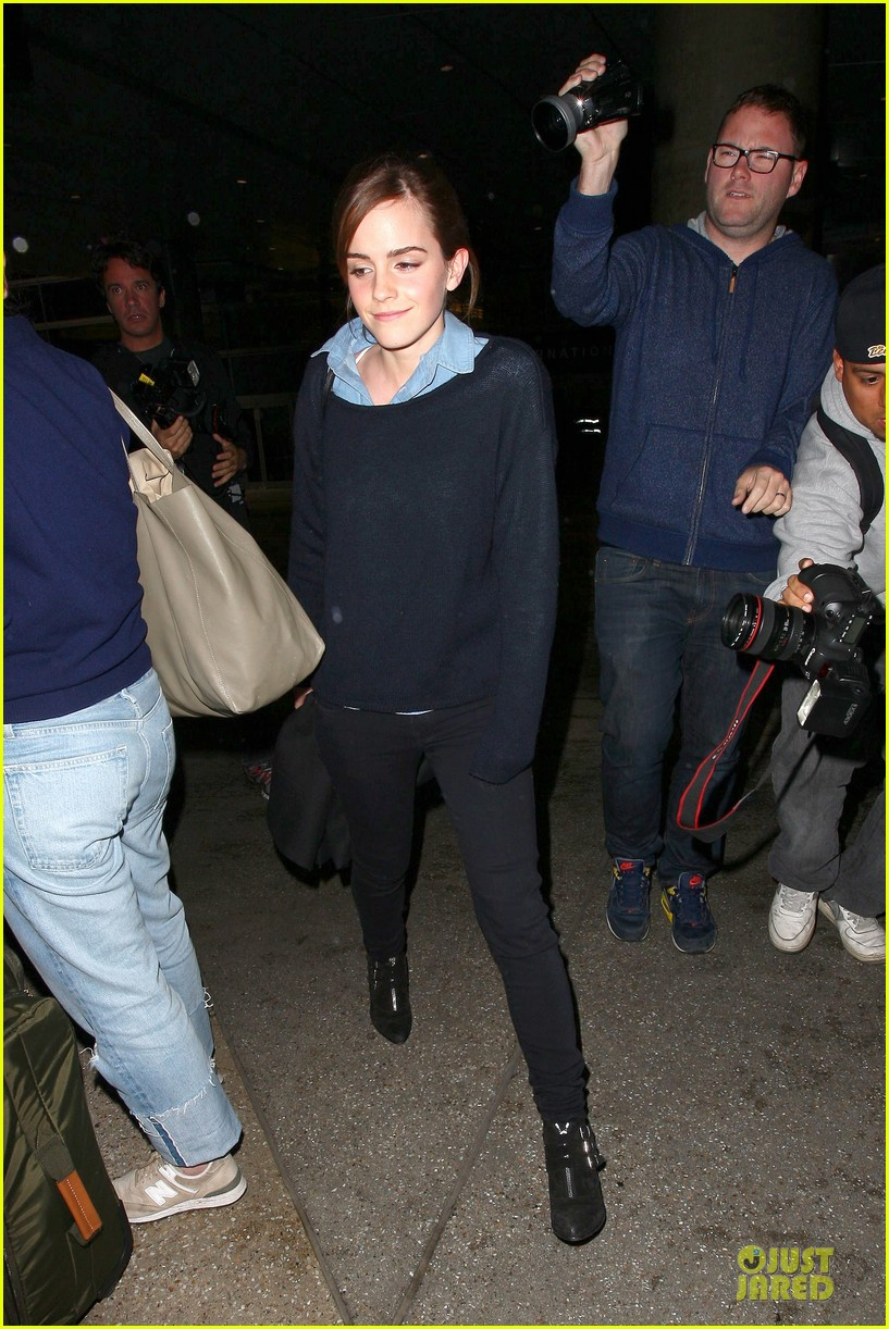 emma watson flys into lax airport before oscars 2014 123062509