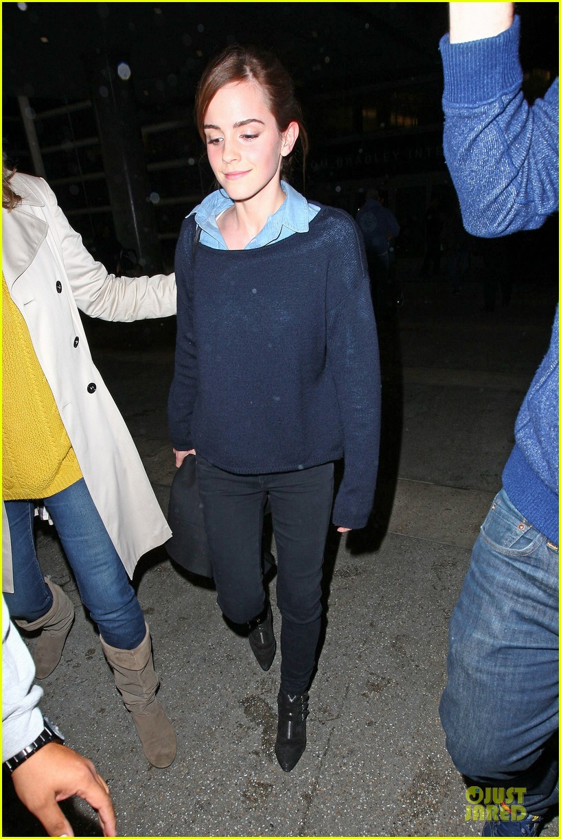 emma watson flys into lax airport before oscars 2014 143062511