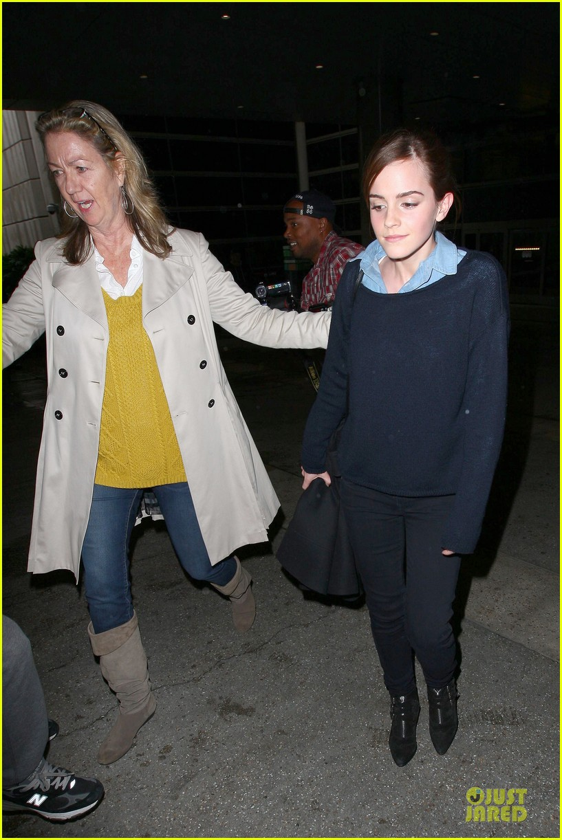 emma watson flys into lax airport before oscars 2014 173062514