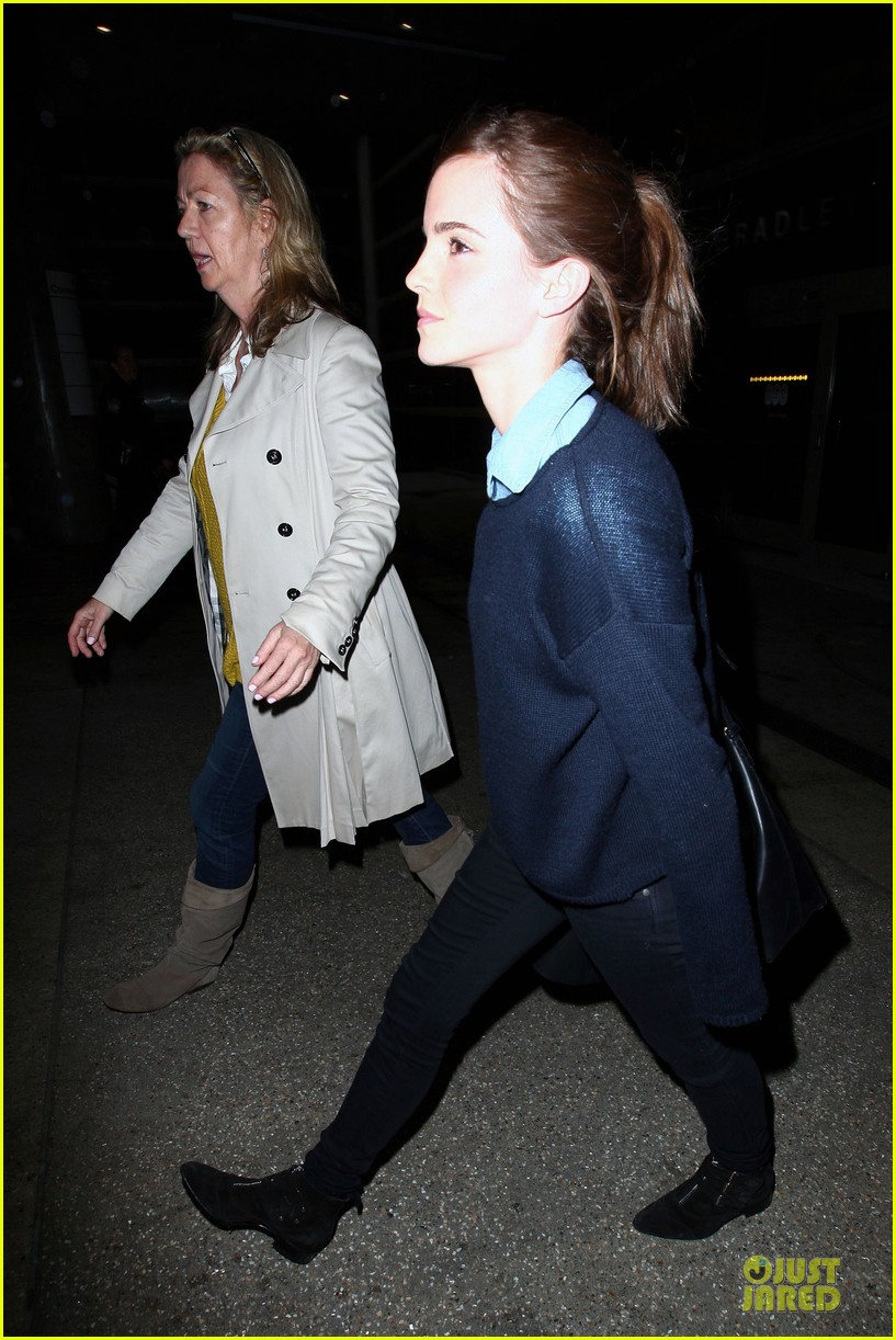 emma watson flys into lax airport before oscars 2014 213062518