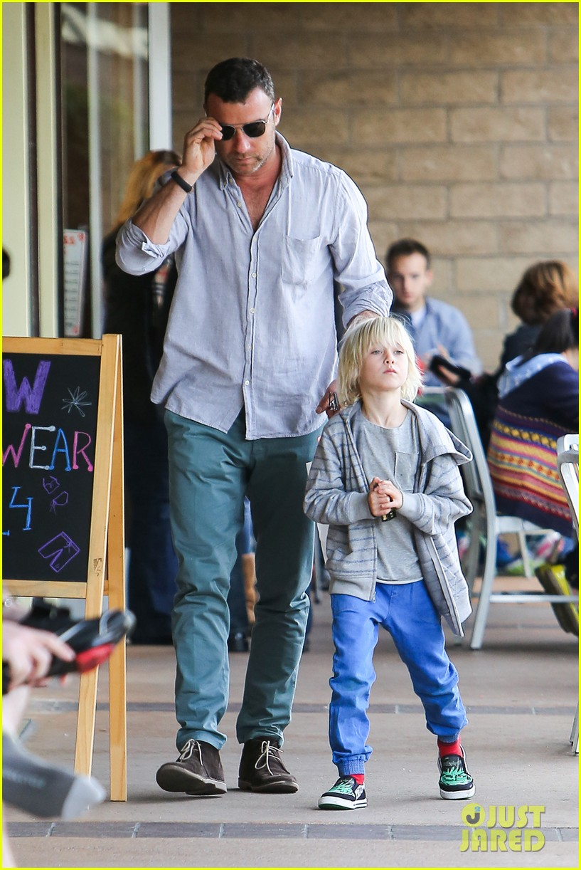 naomi watts liev schrieber hang with their boys 10