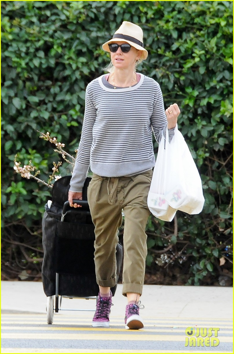 naomi watts liev schreiber separate sunday outings 013046747