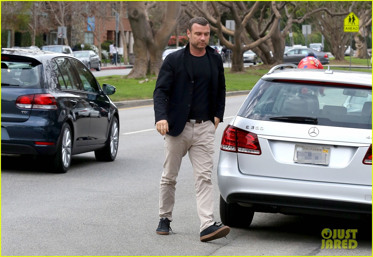 naomi watts liev schreiber separate sunday outings 073046753