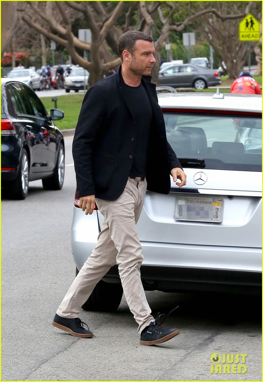 naomi watts liev schreiber separate sunday outings 083046754