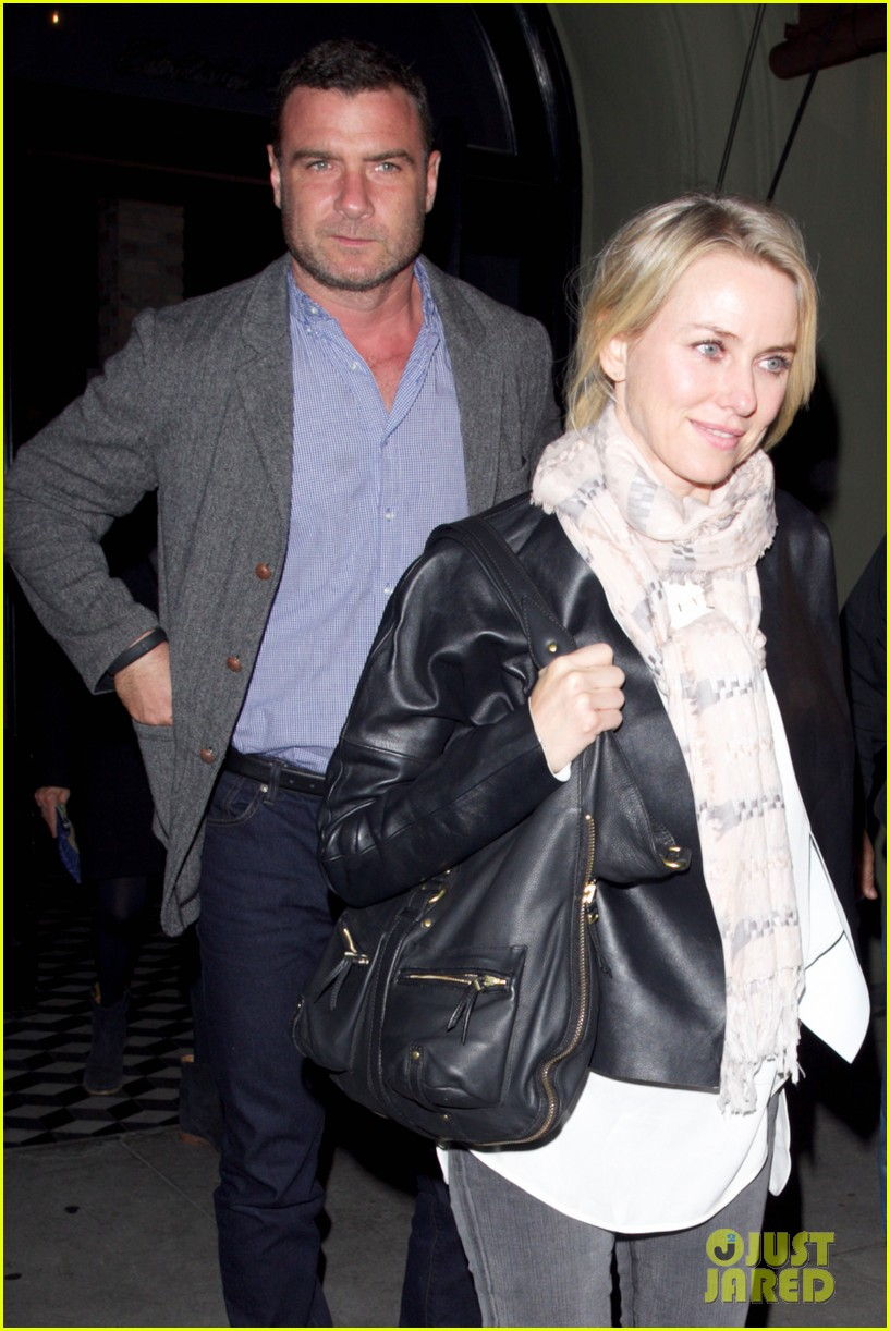 naomi watts works to keep her body in tip top shape 023057206