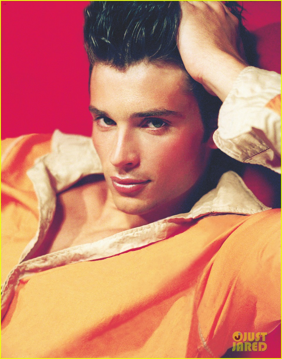 tom welling shirtless for photog andrea marinos new book 023050651