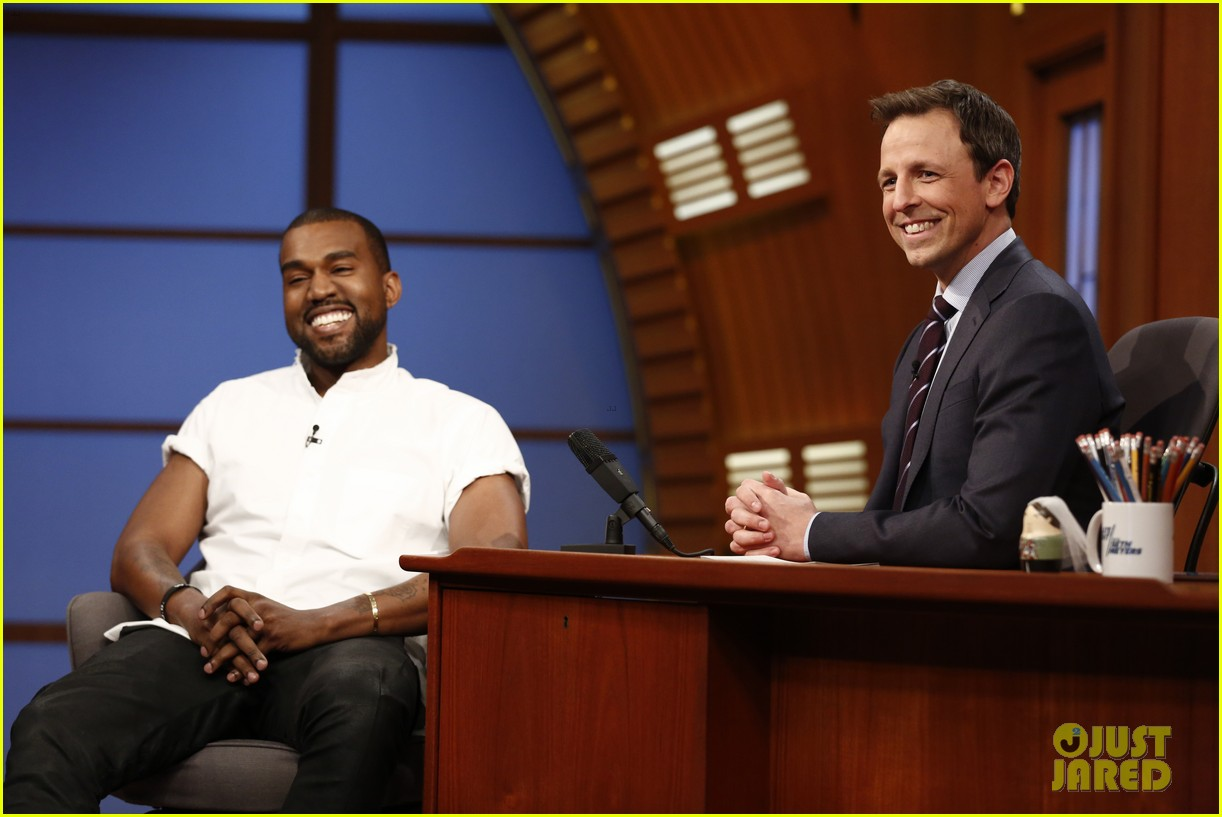 kanye west performs a career spanning medley on late night 043060820