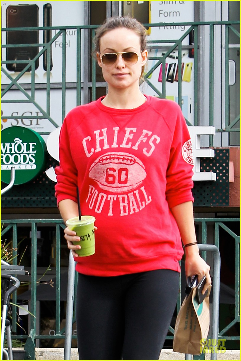 olivia wilde rocks p6 hat to protest russia anti gay law 043049426