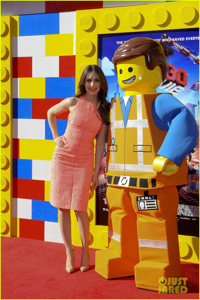 elizabeth banks will ferrell the lego movie premiere 123045737