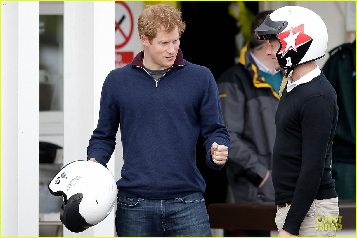 prince william prince harry help defend against uk floods 12