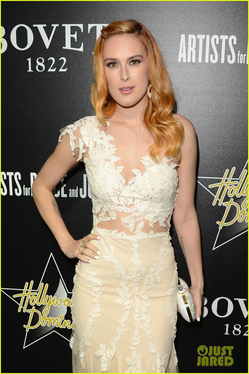 rumer willis belts out a song at hollywood domino gala 083062154