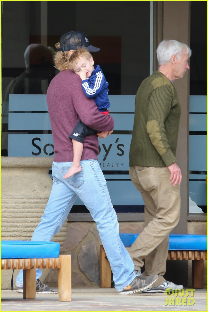 owen wilson is a doting dad after birth of his new son 023046873