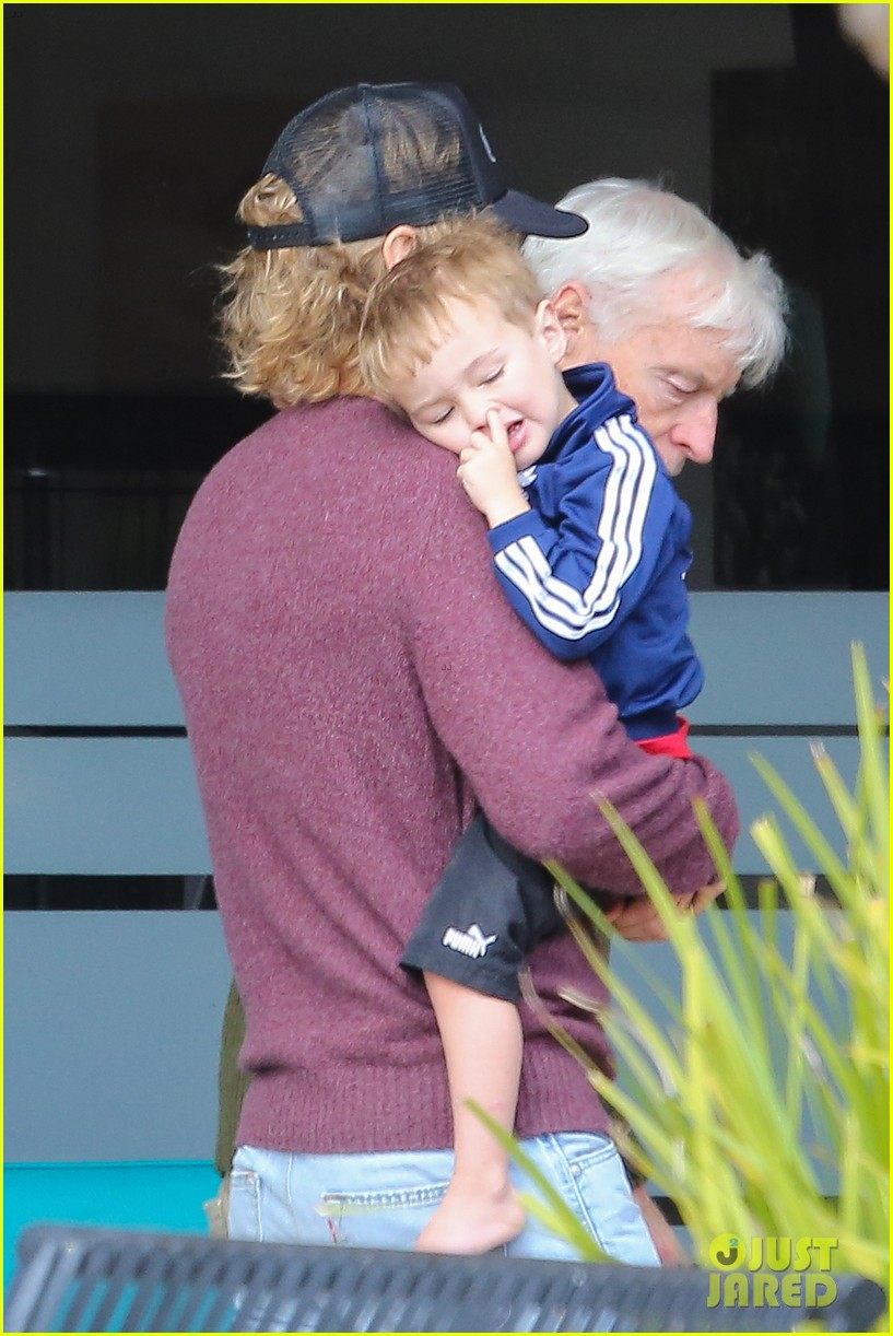 owen wilson is a doting dad after birth of his new son 033046874