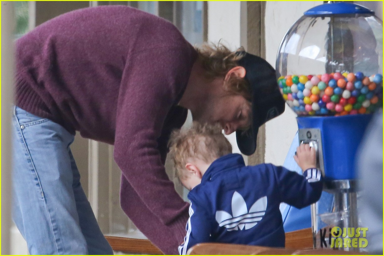 owen wilson is a doting dad after birth of his new son 093046880