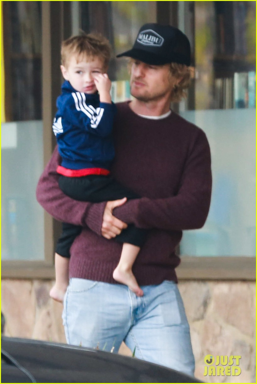 owen wilson is a doting dad after birth of his new son 143046885