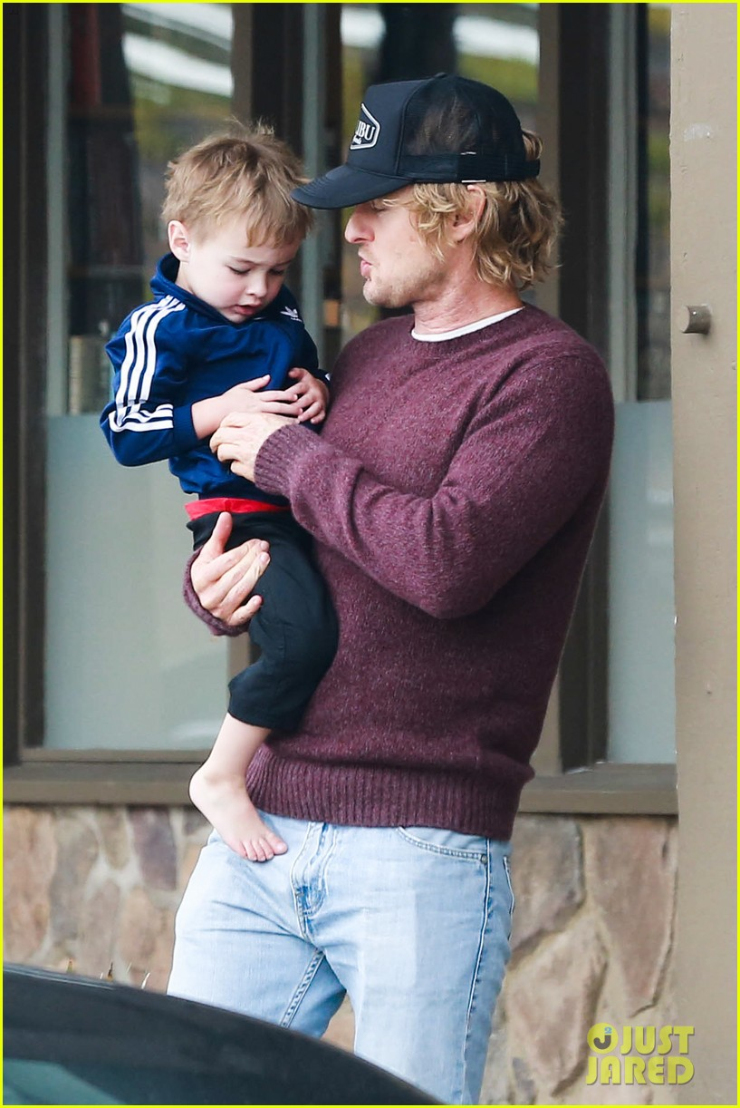 owen wilson is a doting dad after birth of his new son 163046887