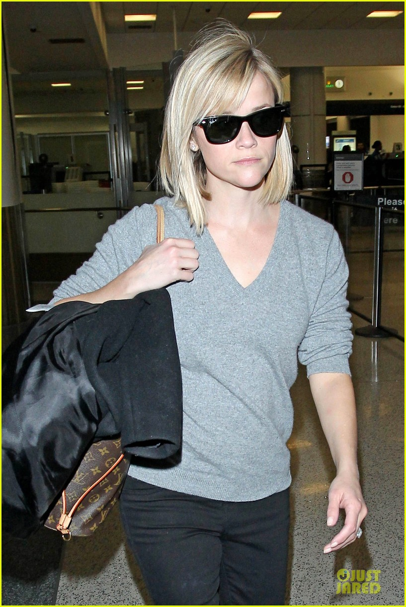 reese witherspoon fierce wild errands following lax landing 133060572