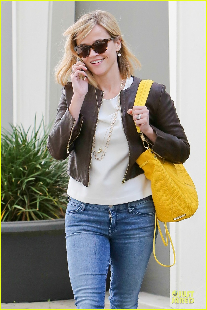reese witherspoon fierce wild errands following lax landing 143060573