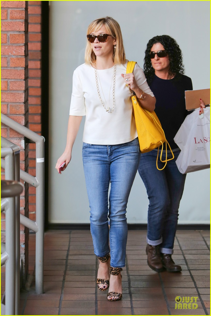 reese witherspoon fierce wild errands following lax landing 233060582