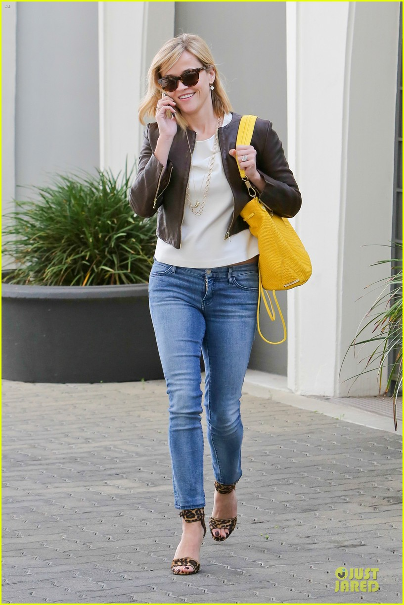 reese witherspoon fierce wild errands following lax landing 263060585