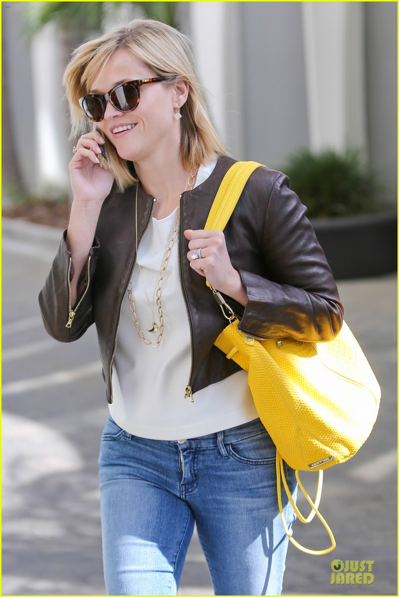 reese witherspoon fierce wild errands following lax landing 273060586