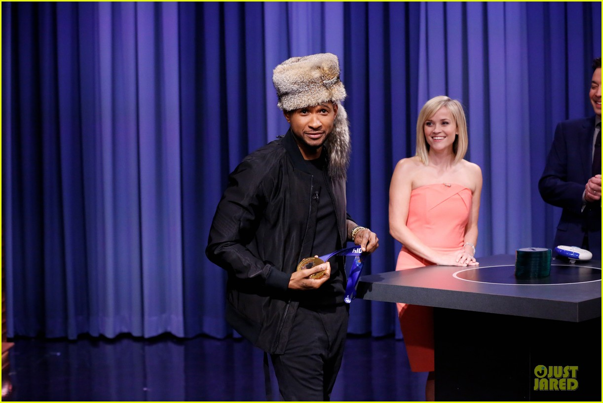 reese witherspoon catch phrase with usher on tonight show 023060037