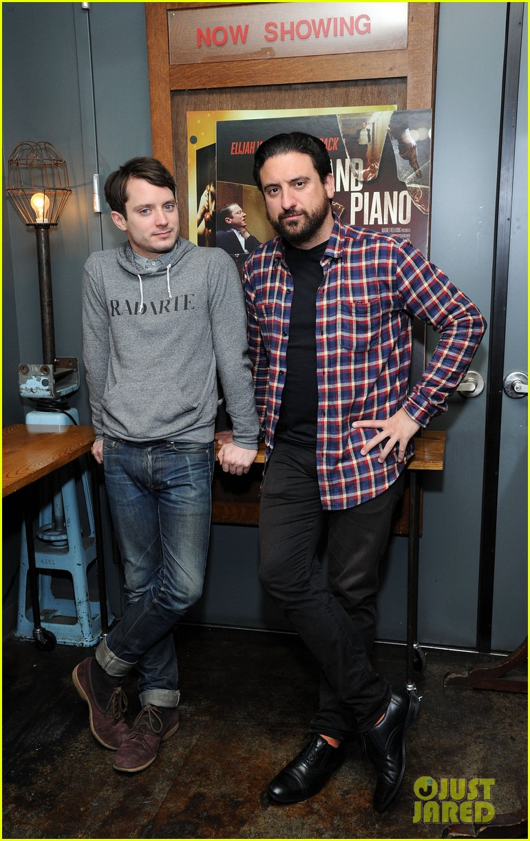 elijah wood grand piano screening with director eugenio mira 02