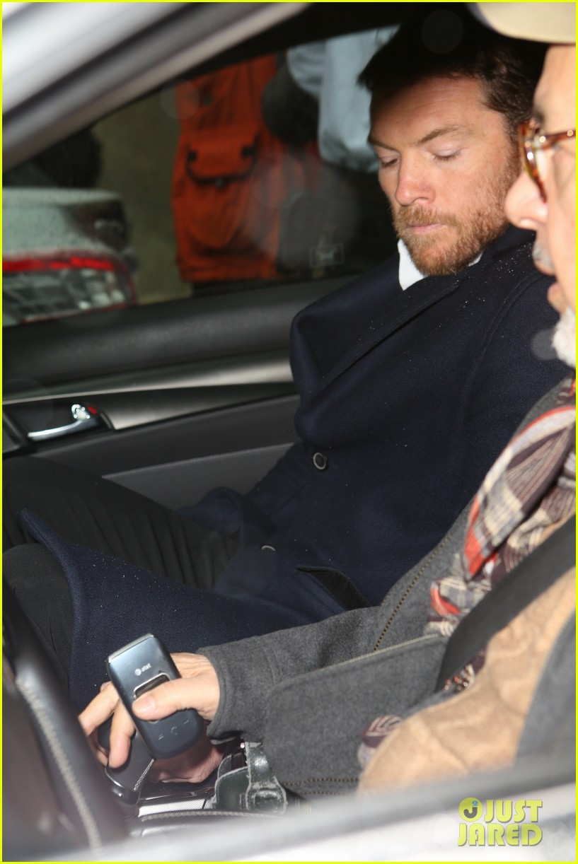 sam worthington leaves court after arrest fuels wedding rumors to lara bingle 103060928