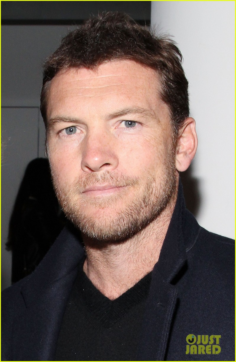 sam worthington lara bingle warm up at dion lee show 023049011