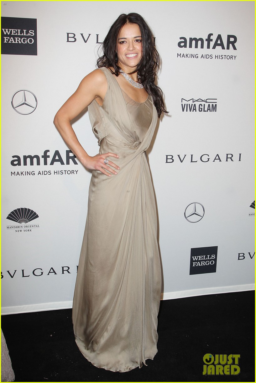 robin wright michelle rodriguez amfar new york gala 203048293