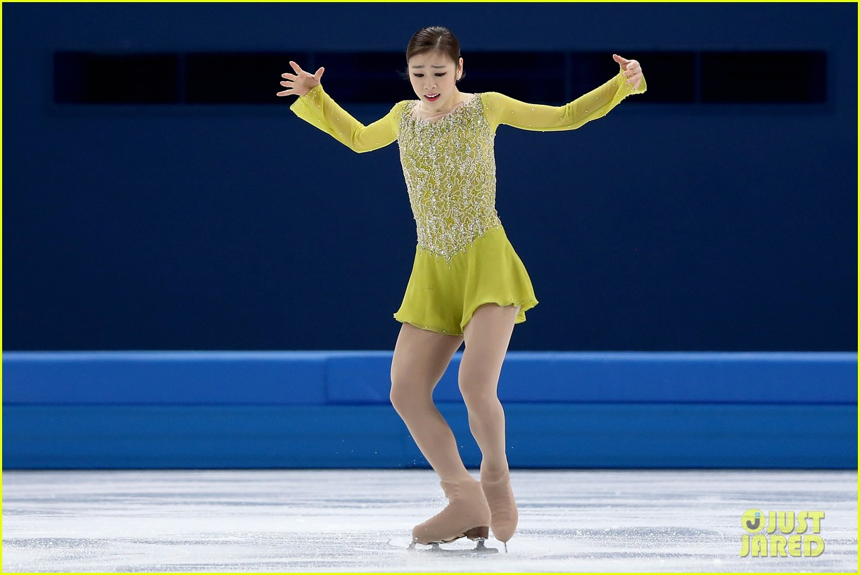 olympic figure skater yuna kim did you know shes also a singer 033057149
