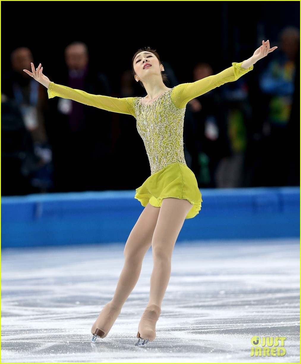 olympic figure skater yuna kim did you know shes also a singer 043057150