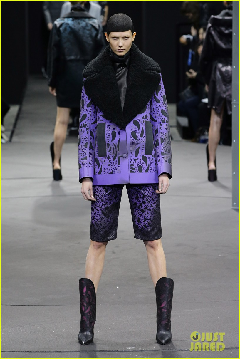zoe kravitz alexander wang fashion show karlie kloss anne v 023050204