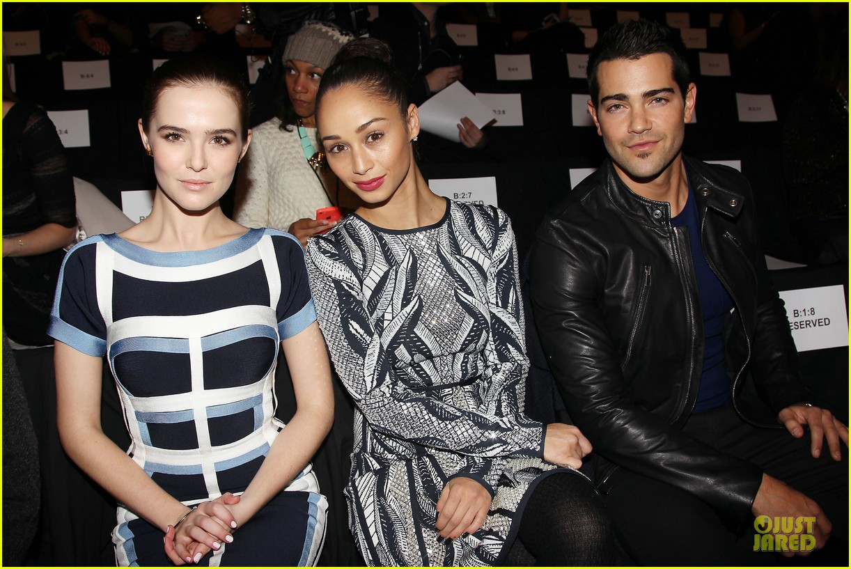 zoey deutch jamie chung herve leger by max azria fashion show 043049808