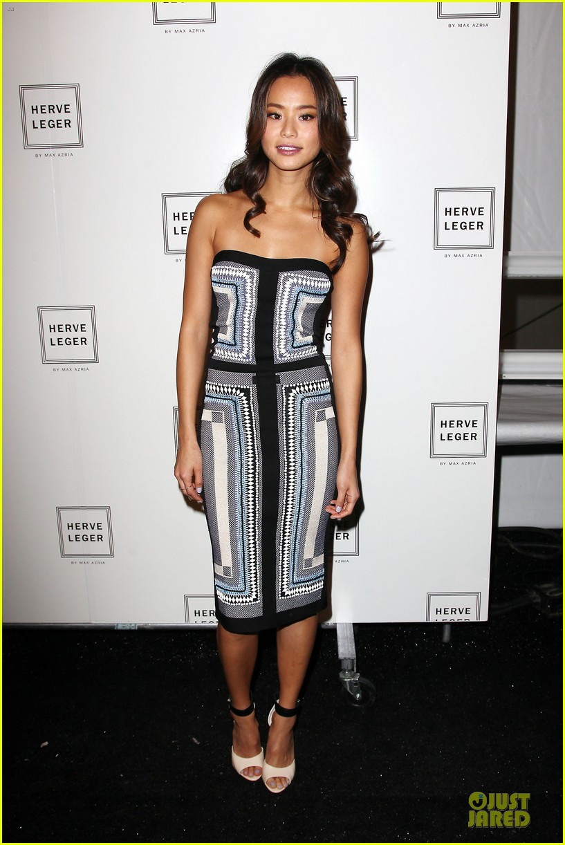 zoey deutch jamie chung herve leger by max azria fashion show 113049815