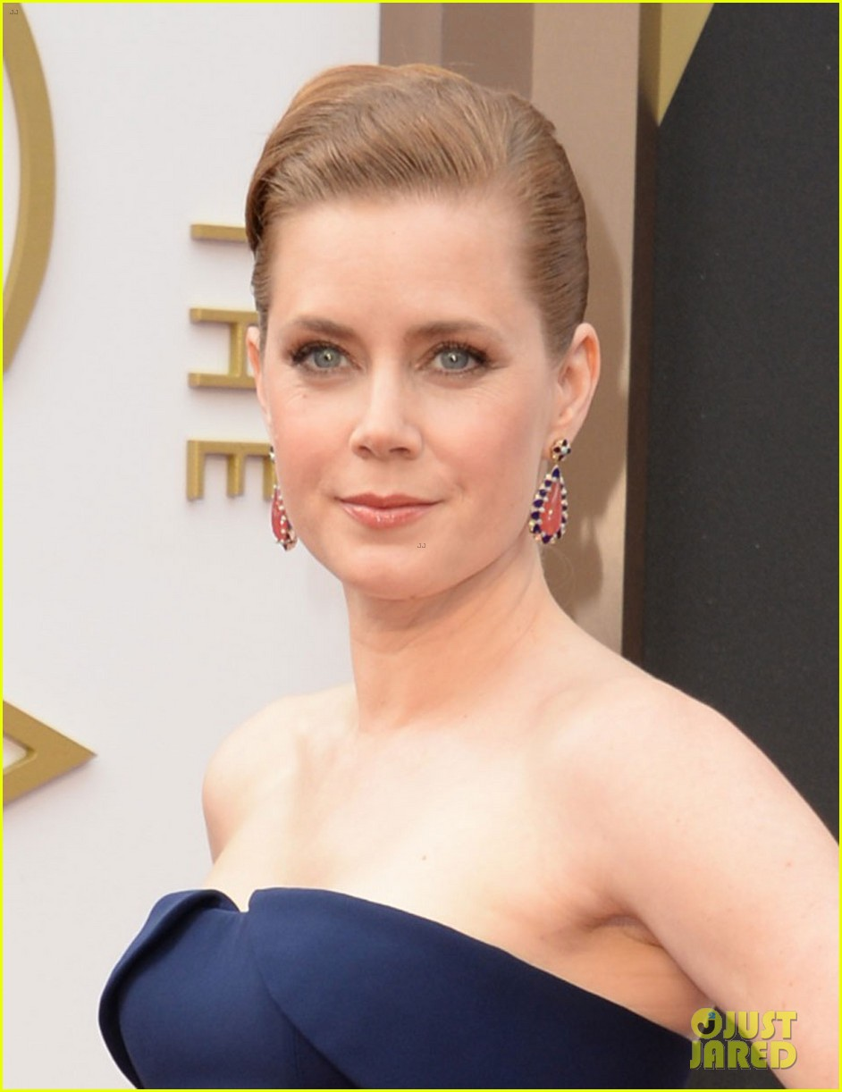 amy adams oscars 2014 red carpet with darren le gallo 033063770