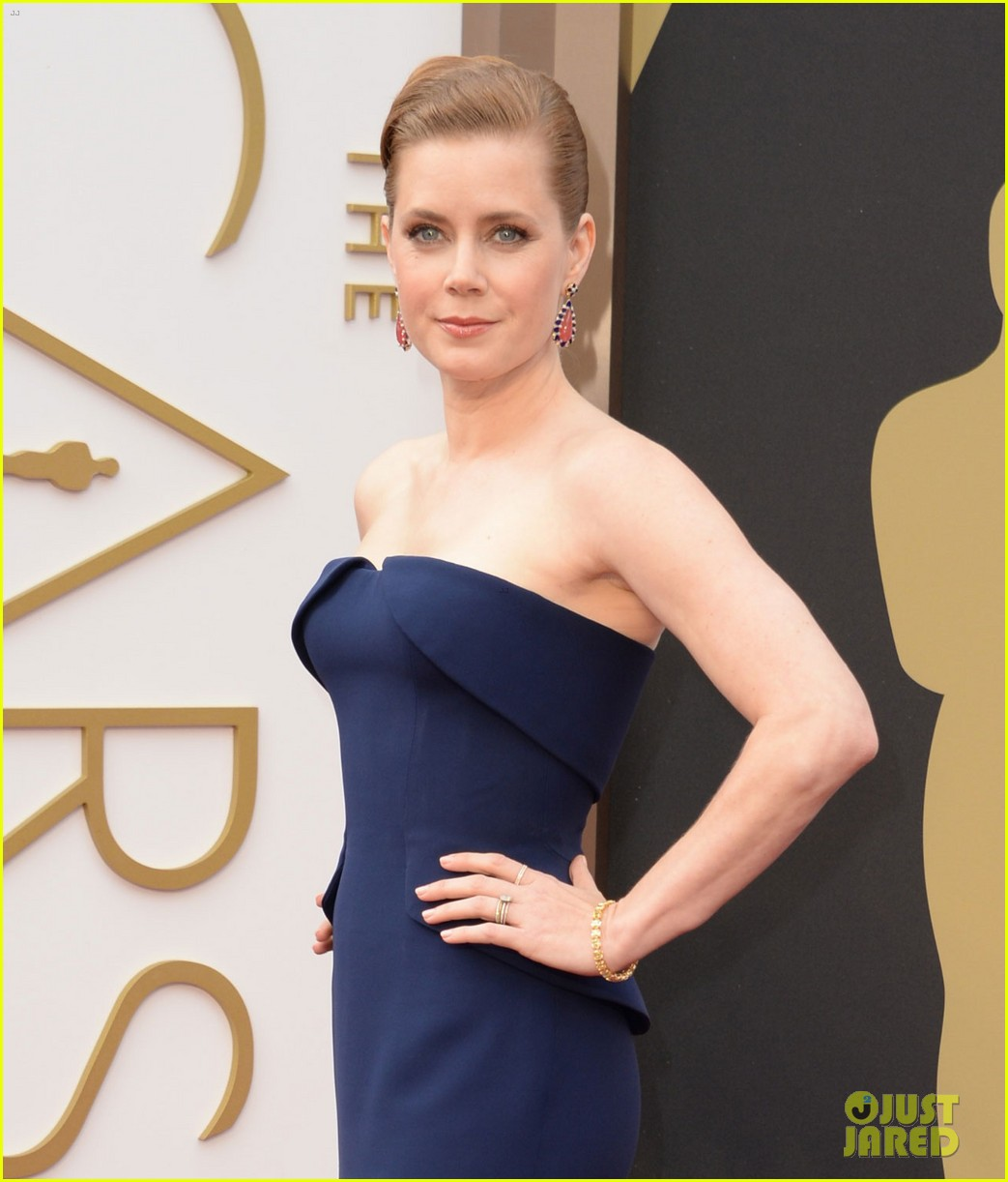 amy adams oscars 2014 red carpet with darren le gallo 053063772