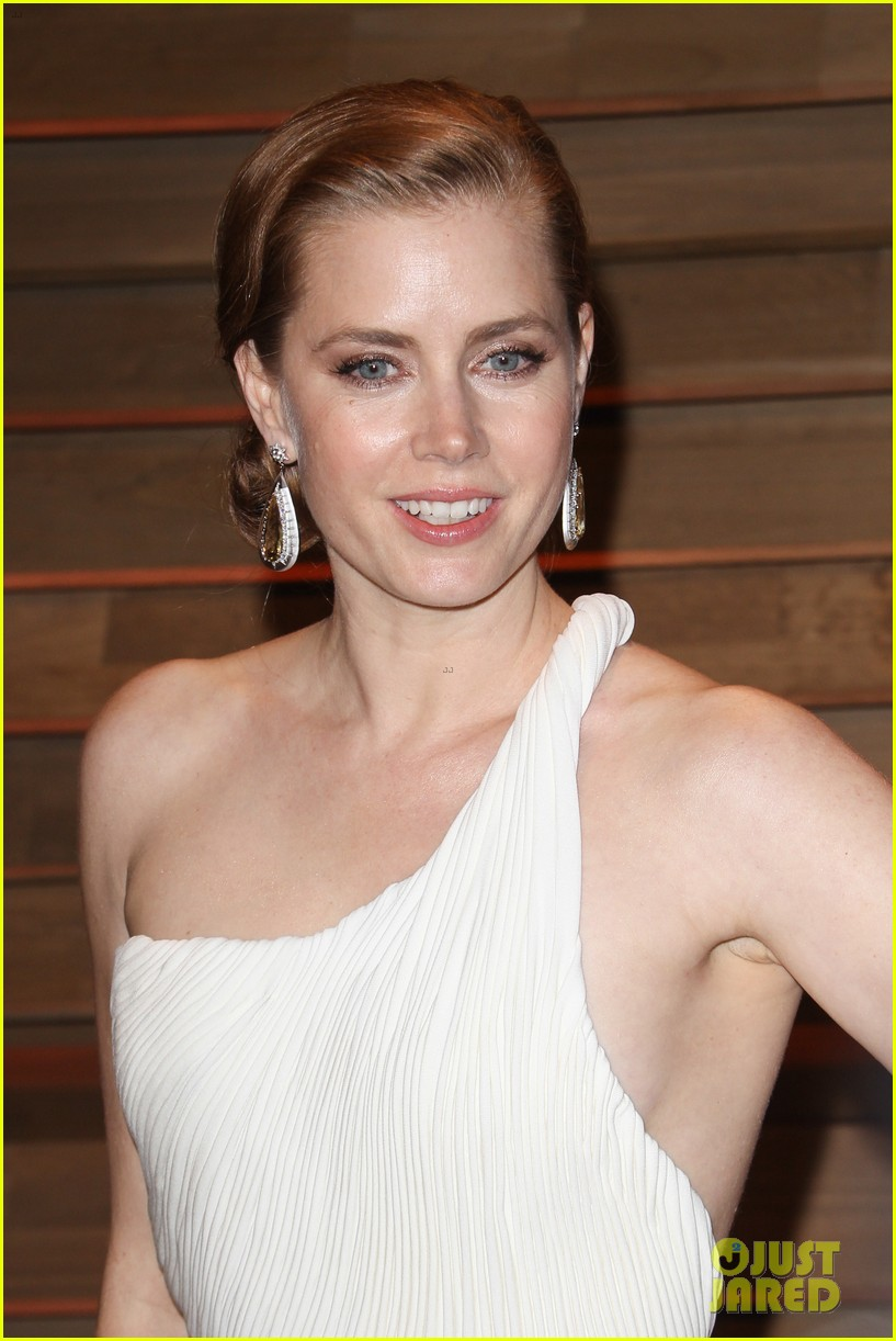 amy adams is white hot in new dress at oscars party 2014 073064656