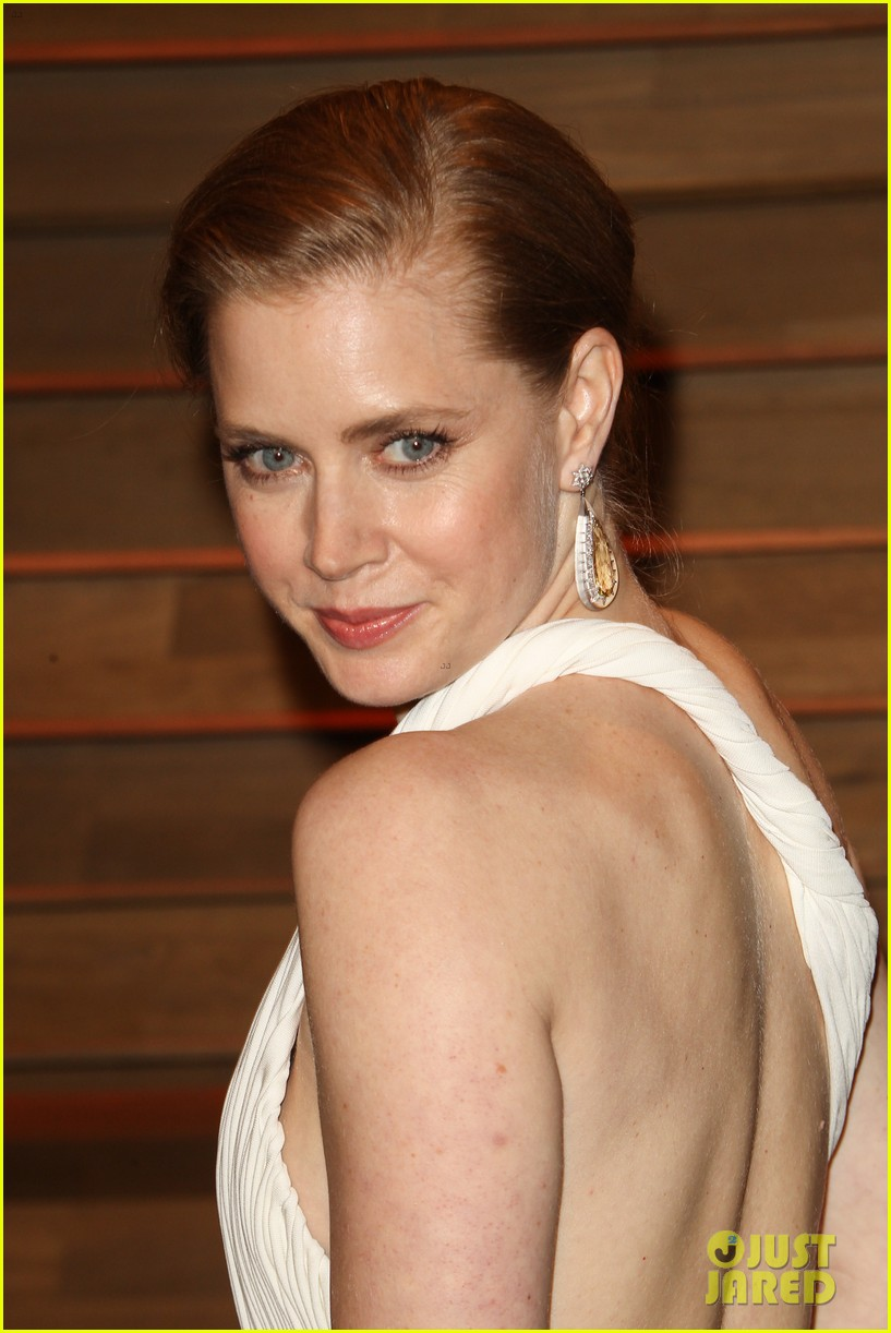 amy adams is white hot in new dress at oscars party 2014 103064659