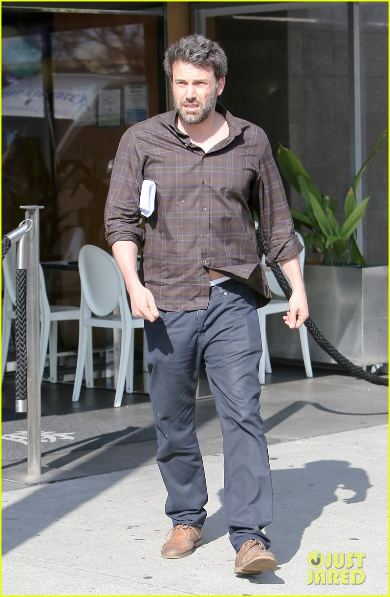 ben affleck matt damon meet up for lunch 023067375