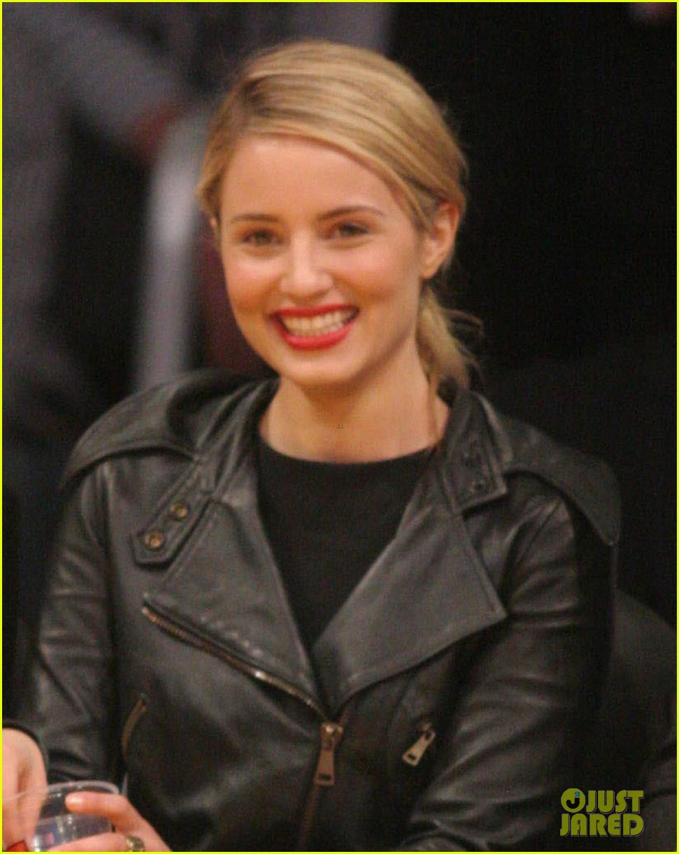 dianna agron amy schumer lakers game 023075204