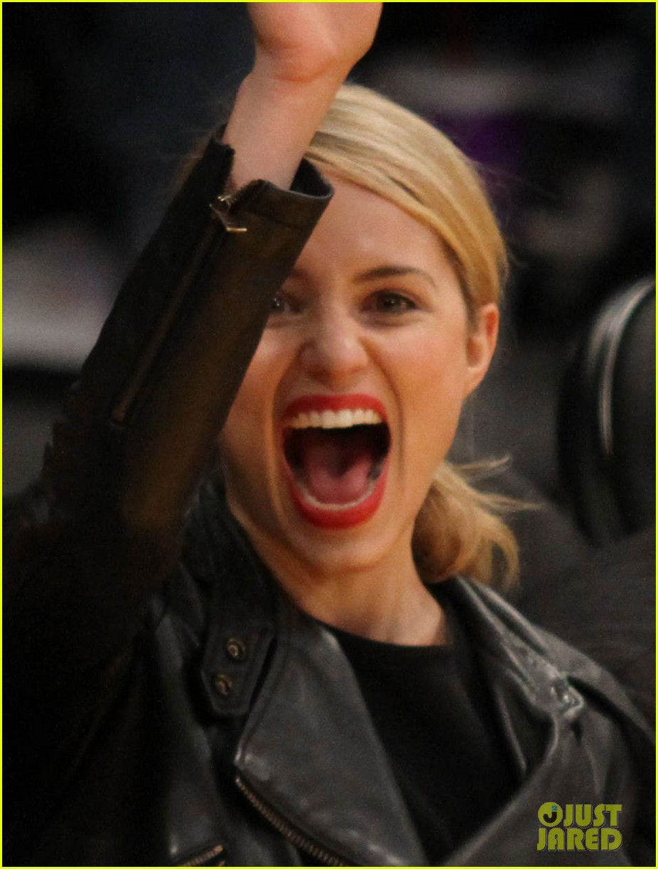 dianna agron amy schumer lakers game 043075206