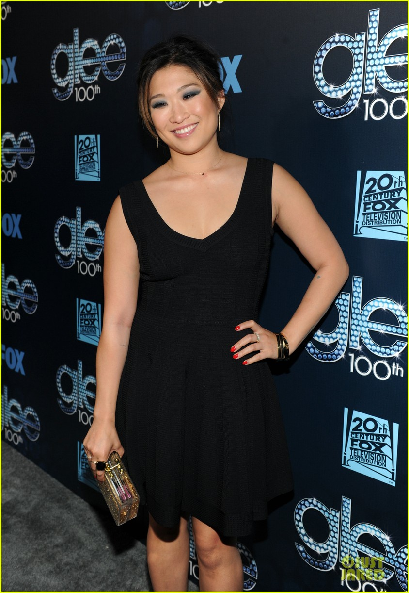 dianna agron jenna ushkowitz glee 100th celebration 133074450