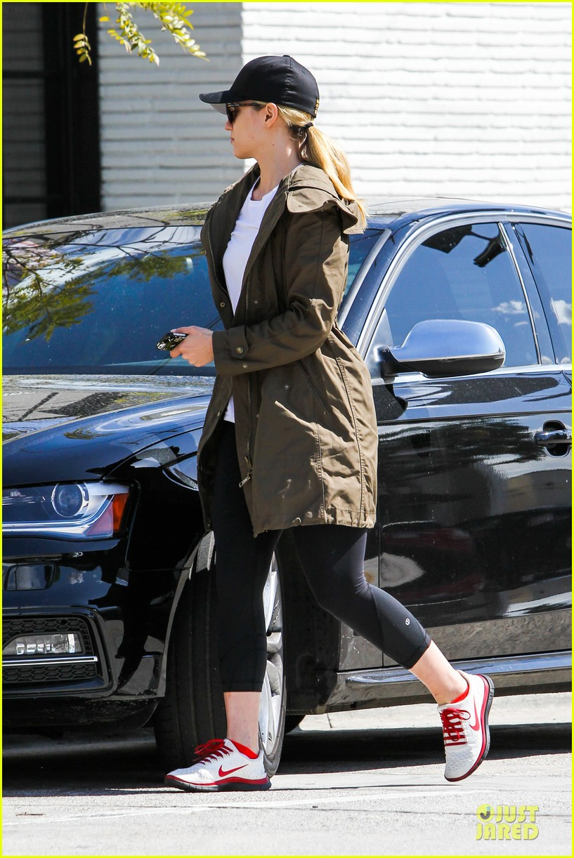 dianna agron wants to go without waste 103080753