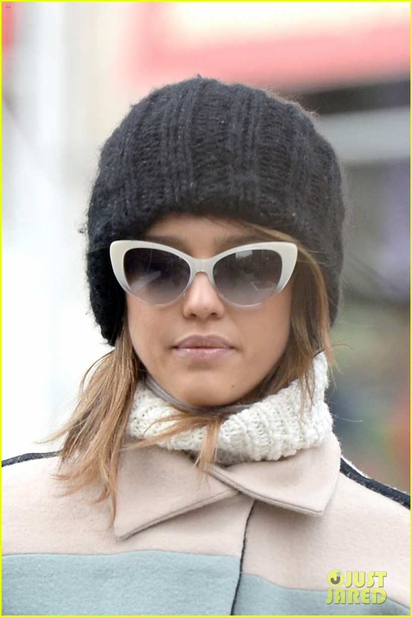 jessica alba steps out in new york city with brother joshua 09