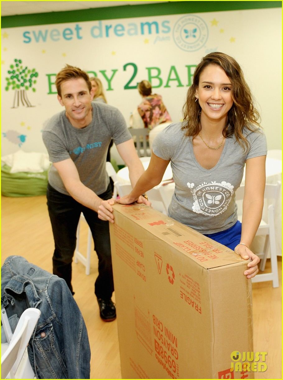 jessica alba is honestly beautiful at the honest charity event 023073167