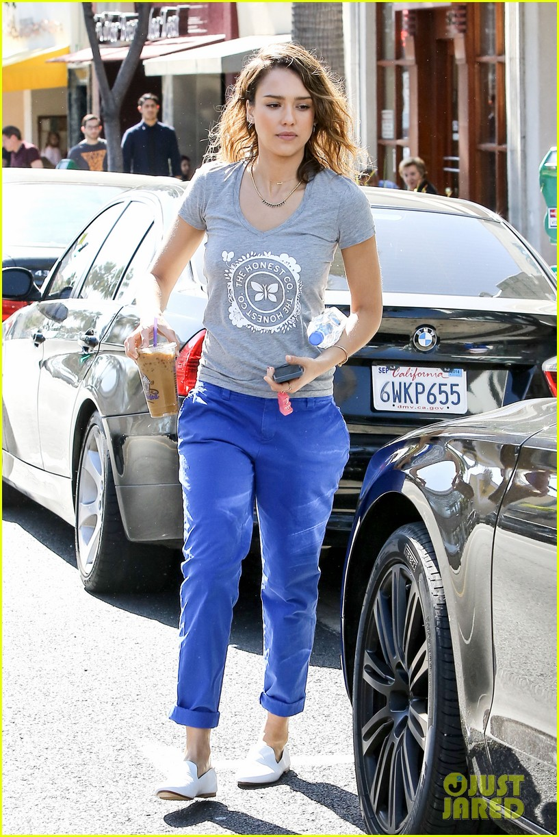 jessica alba is honestly beautiful at the honest charity event 113073176