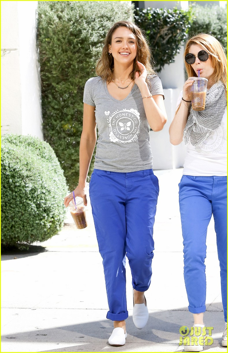 jessica alba is honestly beautiful at the honest charity event 123073177